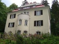 Prodej vily se 3 byty, zahradou a dvougaráží  v Mariánských Lázních