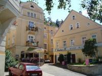 Nabízíme prostorný byt  2+1, 3.patro, 63m2,  v secesním domě, lázeňské centrum Mariánských Lázní