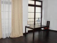 Pronájem pěkného bytu v OV, 2+1 65m2, v lázeňském centru Karlových Varech-Divadelní nám.19