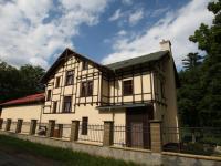Pronájem bytu 3+1 v přizemí jedinečné vily,  bývalé restauraci Wildpark, ulice K Přehradě, Karlovy V