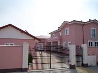 Prodej nadstandardního RD o velikosti  725 m2,  Stará Role-ul.M. Rovenské, Karlovy Vary.