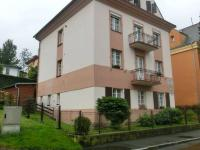 Prodej vily se 4 byty, zahradou a garáží v Karlových Varech - Anglická ulice v Drahovicích