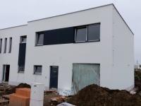 Nový řadový rodinný dům 4+kk/T o ploše 160,2 m2 na pozemku 498 m2.