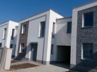 Moderni řádový rodinný dům 5+kk/T o ploše 153,5 m2 + 22,6m2 terasa na pozemku 266m2.