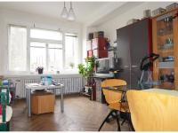 Prodej bytu 2+1 o ploše 61m2 v přízemí s pěkným výhledem do oplocené zahrady.