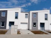 Řadový, rodinný cihlový dům 5+kk/T o ploše 153,5 m2 + 22,6m2 terasa na pozemku 268m2.