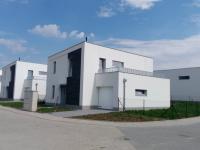 Rodinný, řadový cihlový dům, krajní 6+kk o ploše 104,2 m2 na pozemku 434m2.