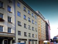 Prodej bytu před rekonstrukcí 2+kk o ploše 42,1m2 + 11,9m2 terasa + 15,3m2 předzahrádka.