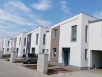 Rodinný, řadový cihlový dům 5+kk/T o ploše 153,5 m2 + 22,6m2 terasa na pozemku 268m2.