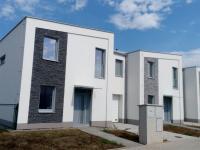 Rodinný, řadový cihlový dům, krajní 5+kk o ploše 104,2 m2 na pozemku 400m2.