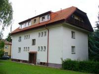 Prodej prostorného bytu 2+1 o ploše 62m2 jen pár set metrů od Šáreckého údolí.
