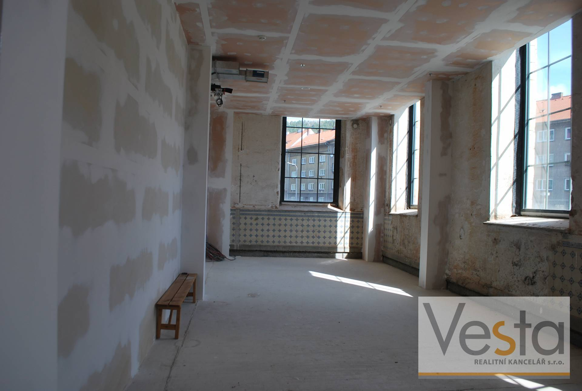 Nebytové prostory 69 m2 obchodním centru Pivovar