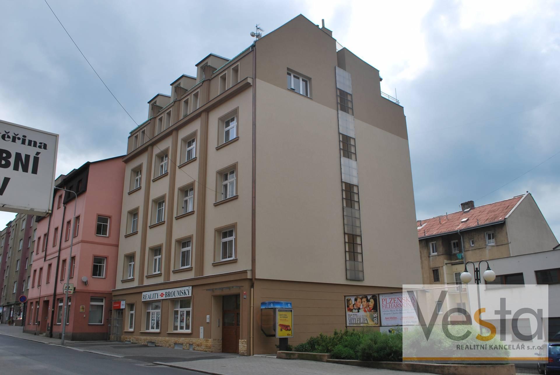 Zrekonstruovaný byt 1+1 s terasou s krásným výhledem