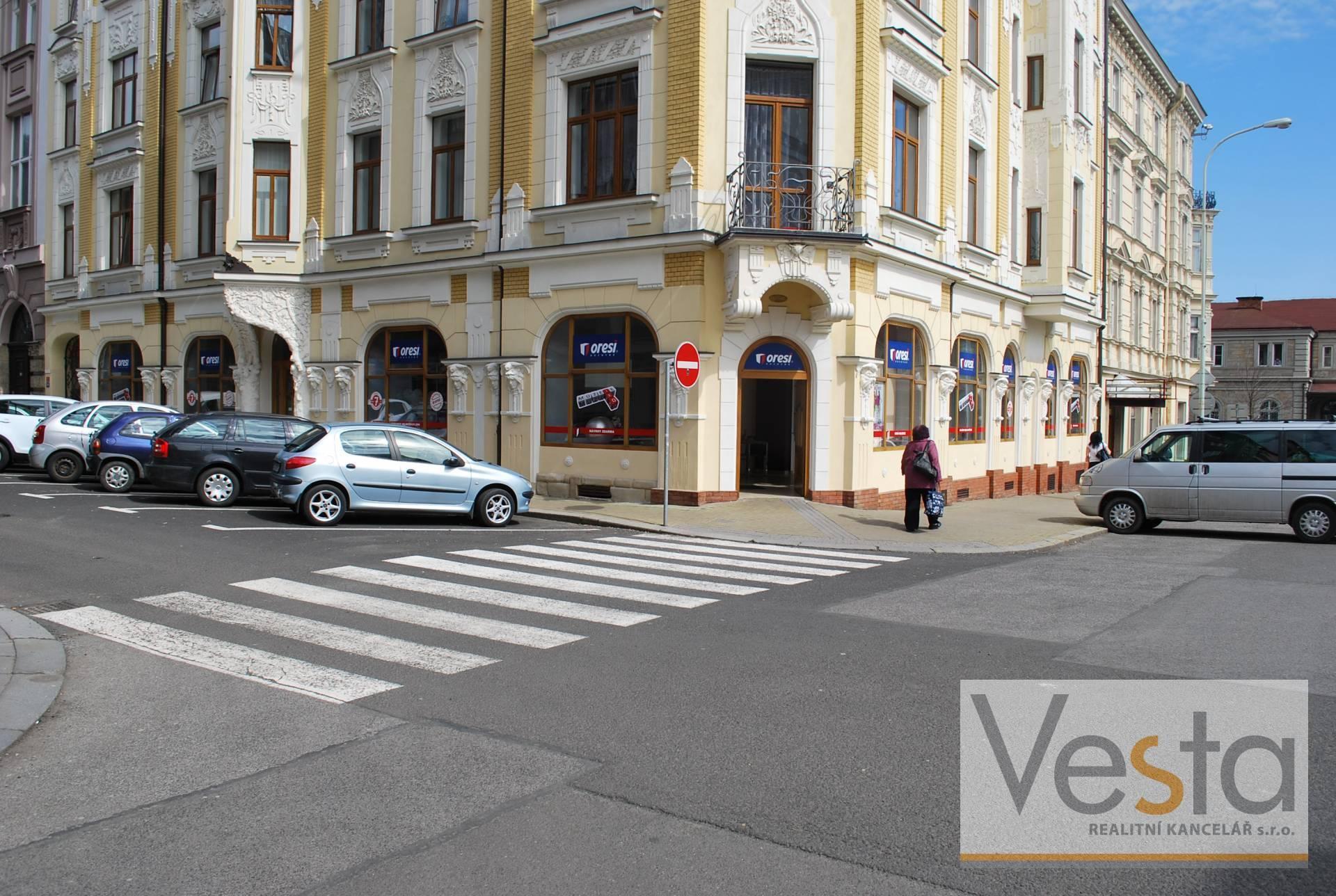 Atraktivní nebytový prostor s výlohami v centru Děčína
