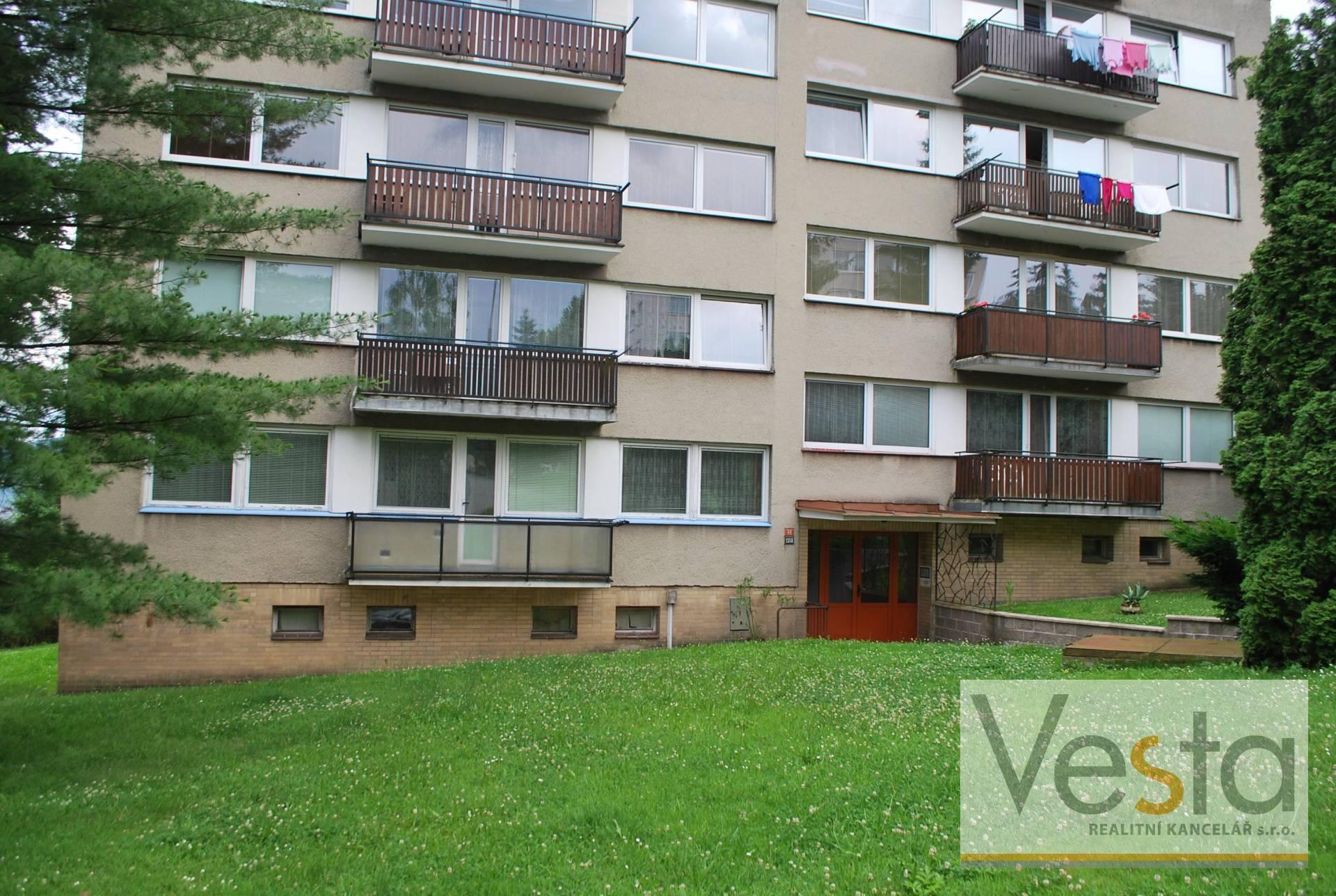 Prostorný byt 4+1 v obci Děčín VI-Letná