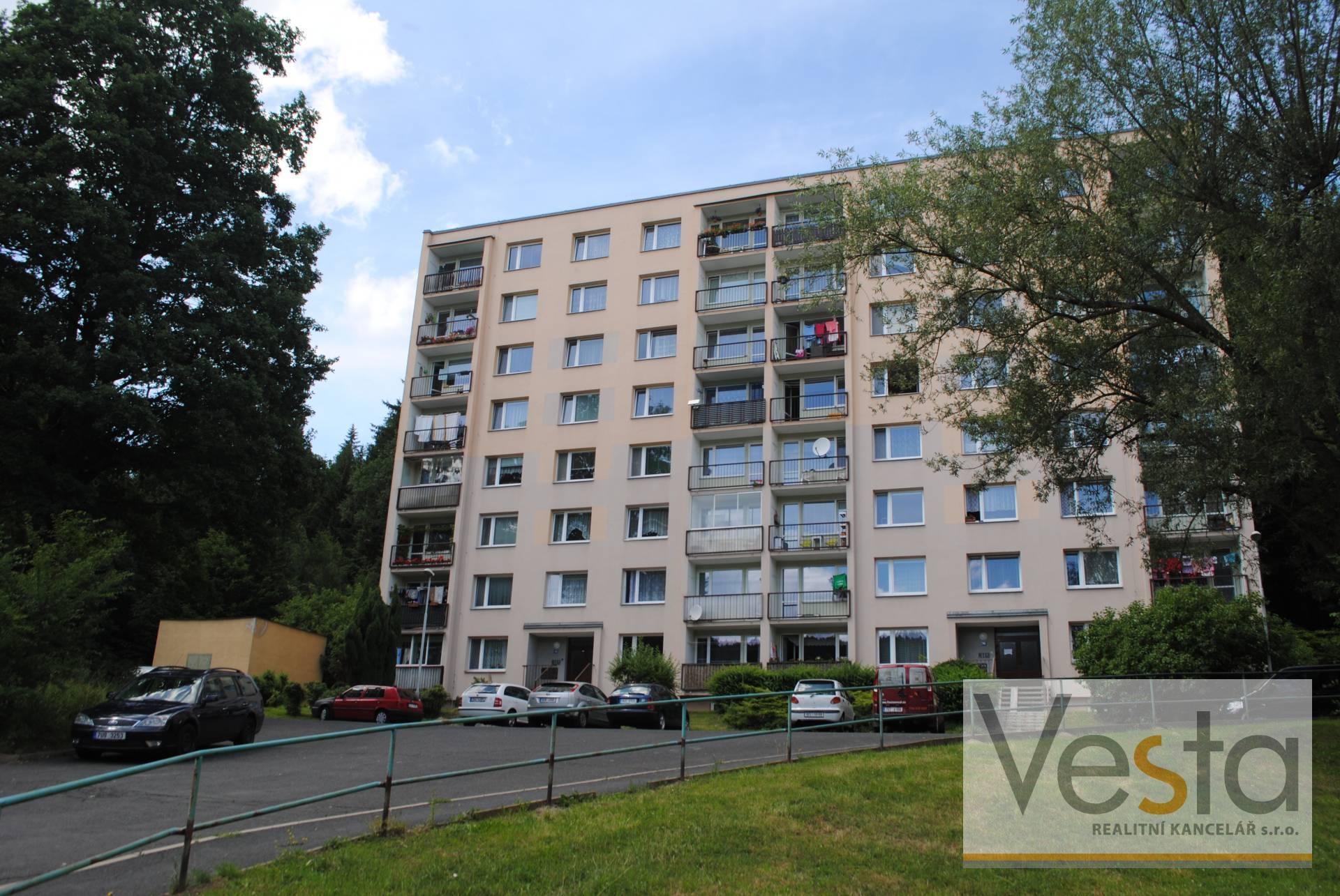 Hezký byt 1+1 s výhledem do zeleně