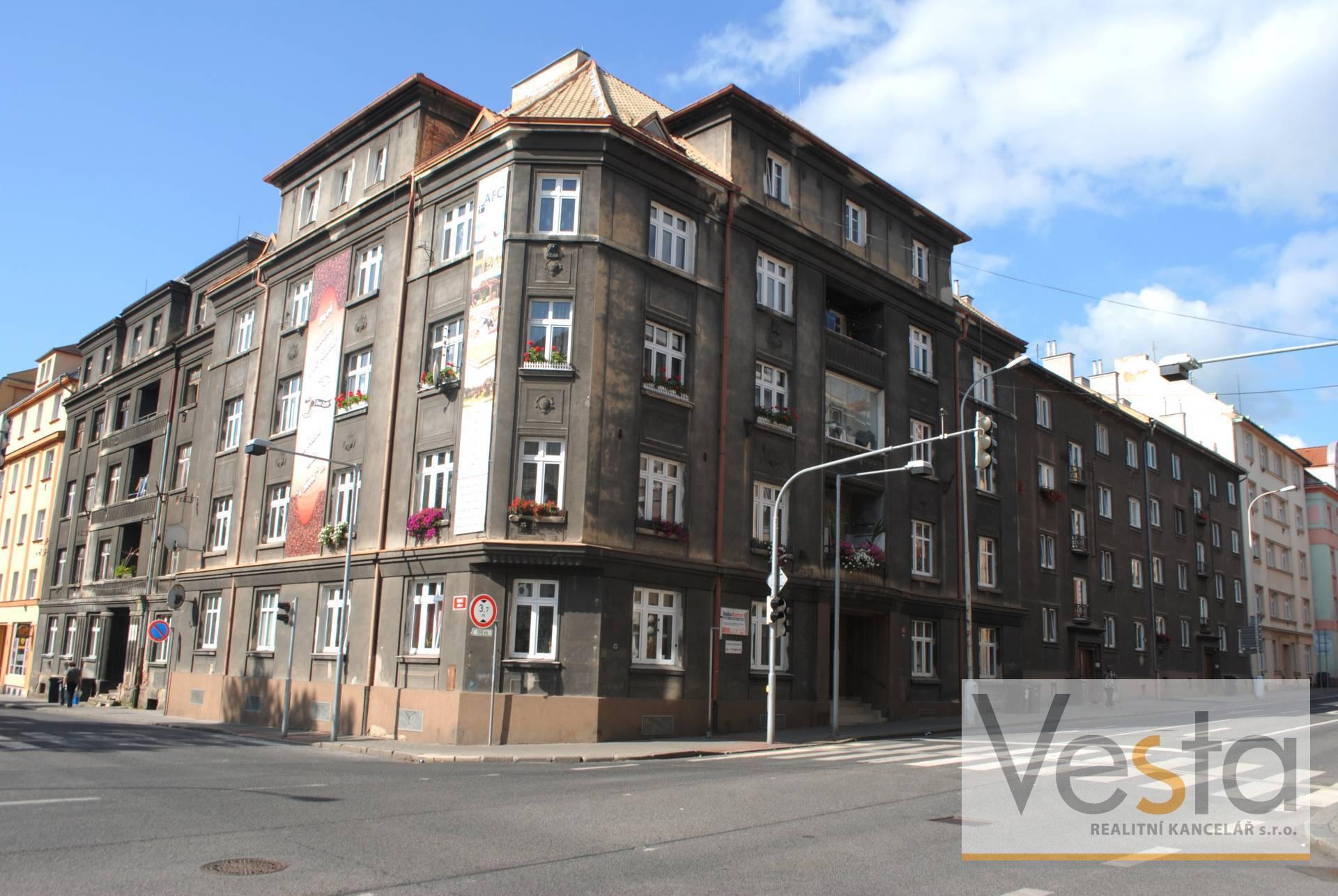 Prostorný byt 2+1 v centru Děčína - Podmokly