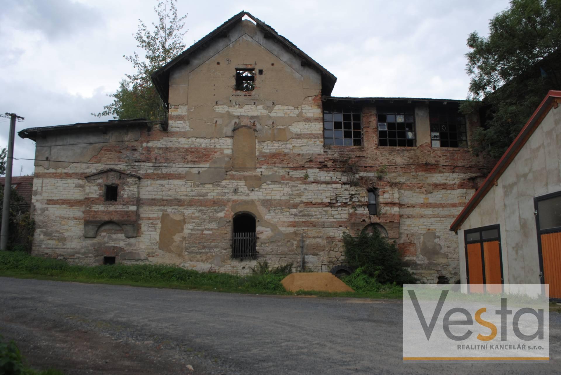 Historická budova Pivovaru v obci Smečno