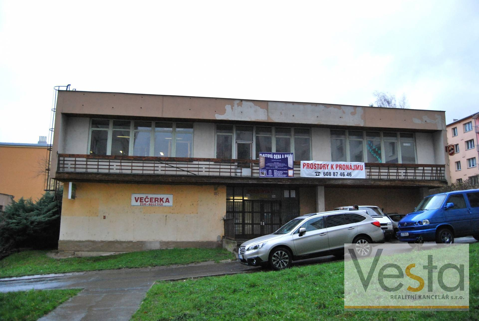 Pronájem prodejny či kanceláře v Boleticích nad Labem