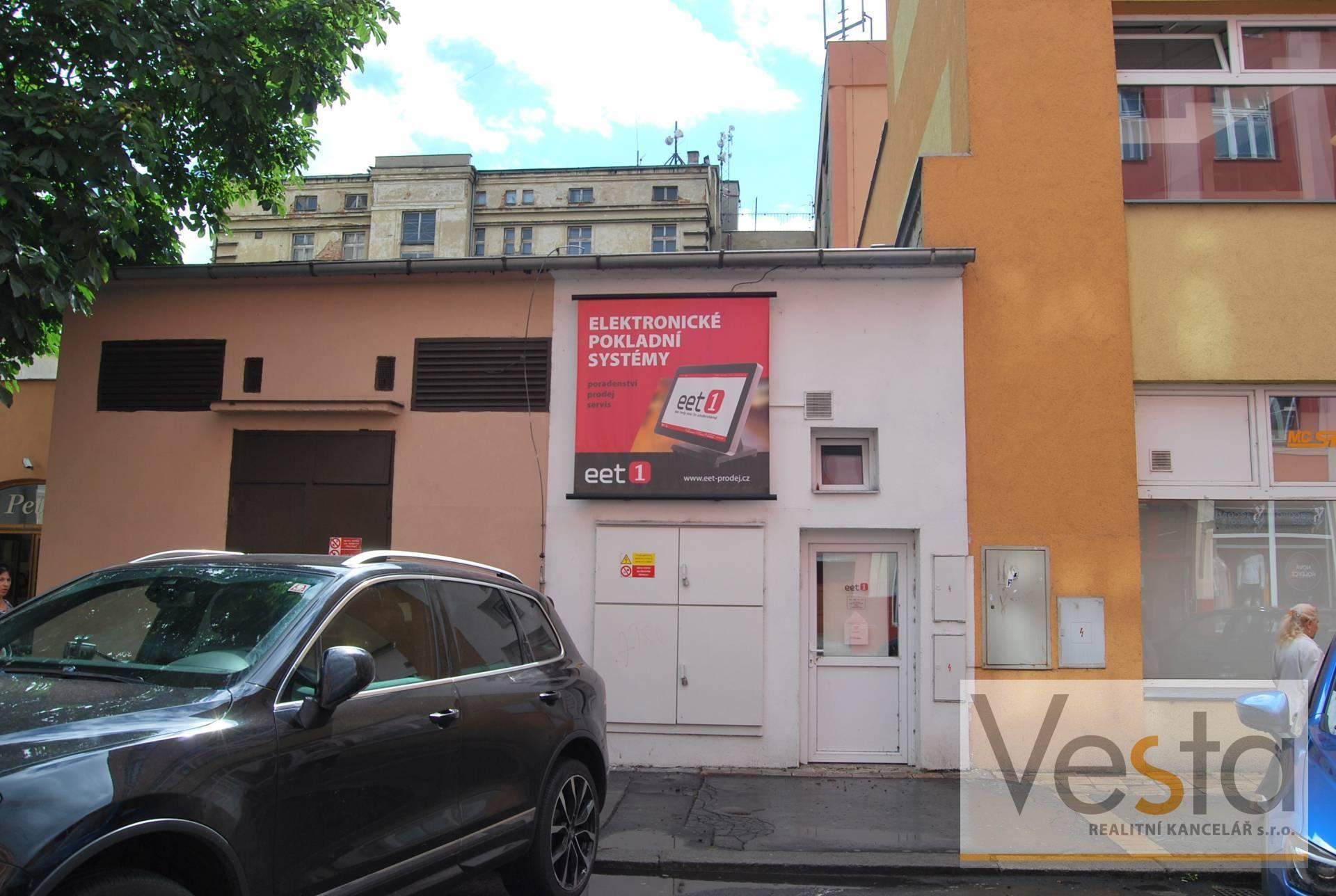 Pronájem prodejny či kanceláře v centru Děčína
