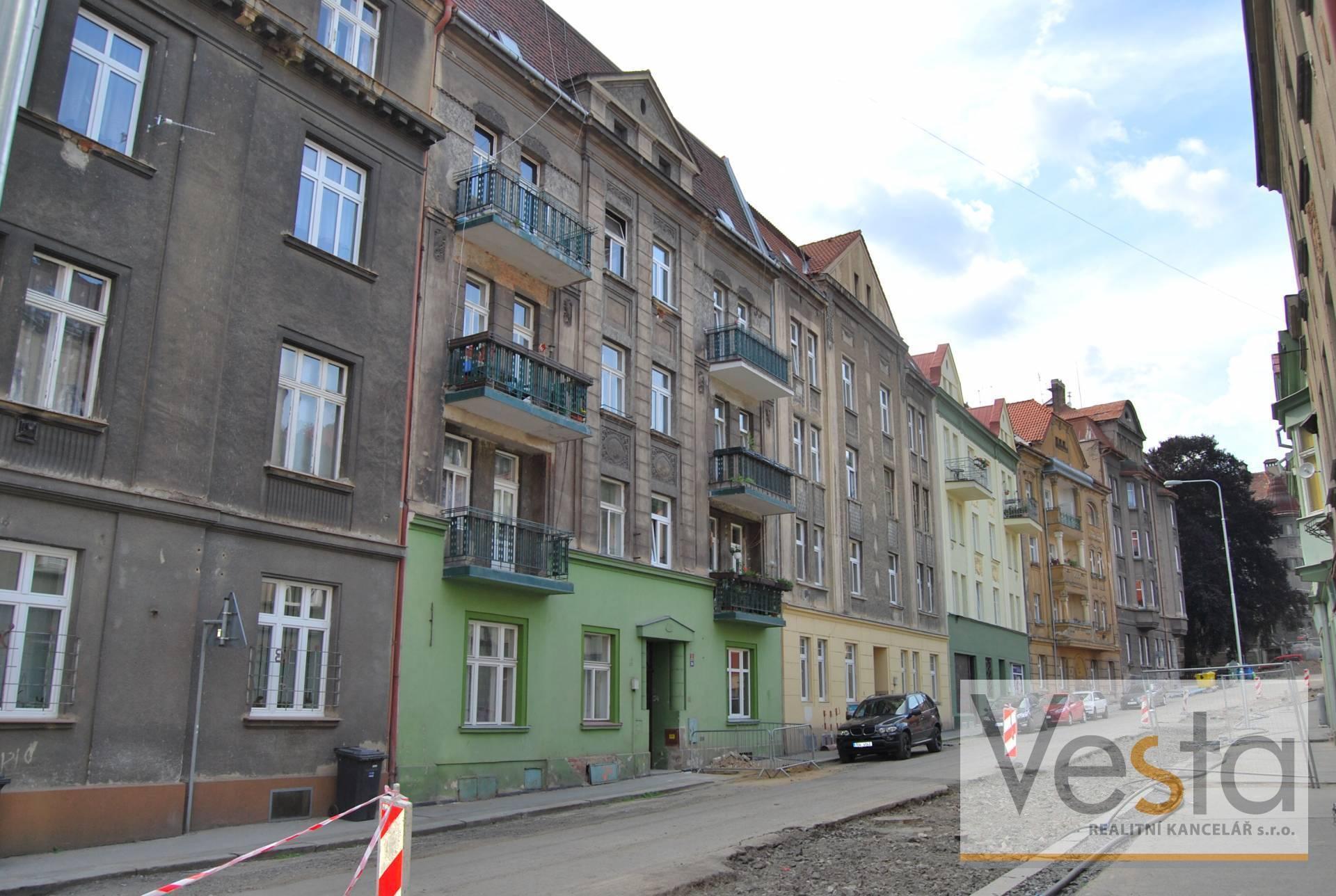 Prostorný byt 2+1 s balkonem v Děčíně IV-Podmokly