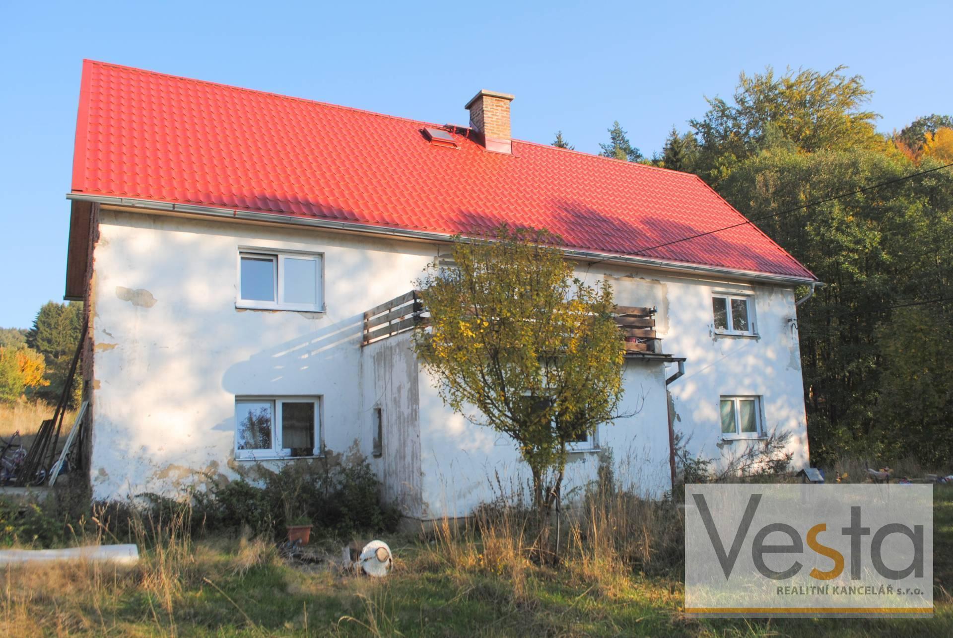 Rodinný dům se zahradou v obci Jablonné v Podještědí