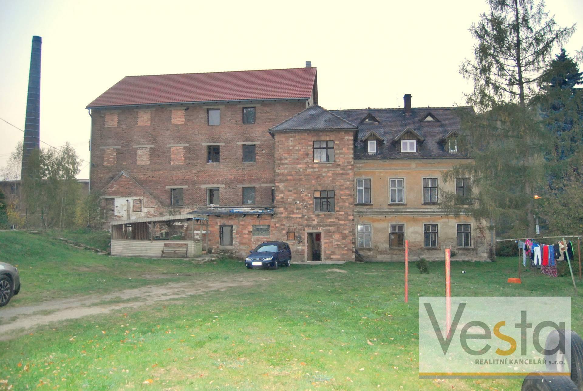Objekt bývalého mlýna se třemi byty a nebytovými prostory