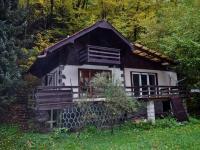 Slatina nad Úpou  -  chata s pozemkem 801m2