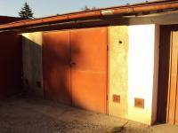 Dvůr Králové n. L. - zděná garáž