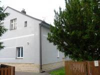 Jaroměř-rodinný dům v centru s garáží a terasou