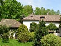 Petrovičky - prodej chalupy na samotě s pozemkem 872m2