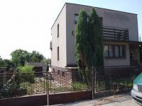 Prodej prostorného RD 5+1  v klidné části obce Dobrovici