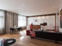 Luxusně zrekonstruovaný byt s balkonem 3+kk o ploše 131,2 na rozhrání Vinohrad a Vršovic.