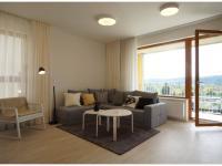 Nový 3+kk o ploše 87,9m2 + 2 x balkon 19,3m2 s výhledem k Vltavě, JZ orientace.