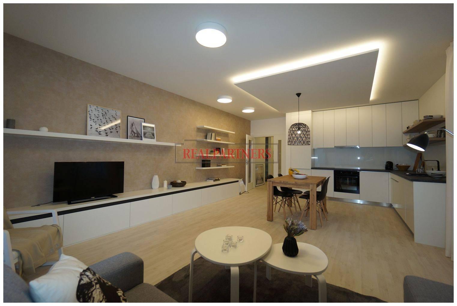 Nový 3+kk o ploše 74,2m² + 2 x balkon 19,6m² s JV orientací.