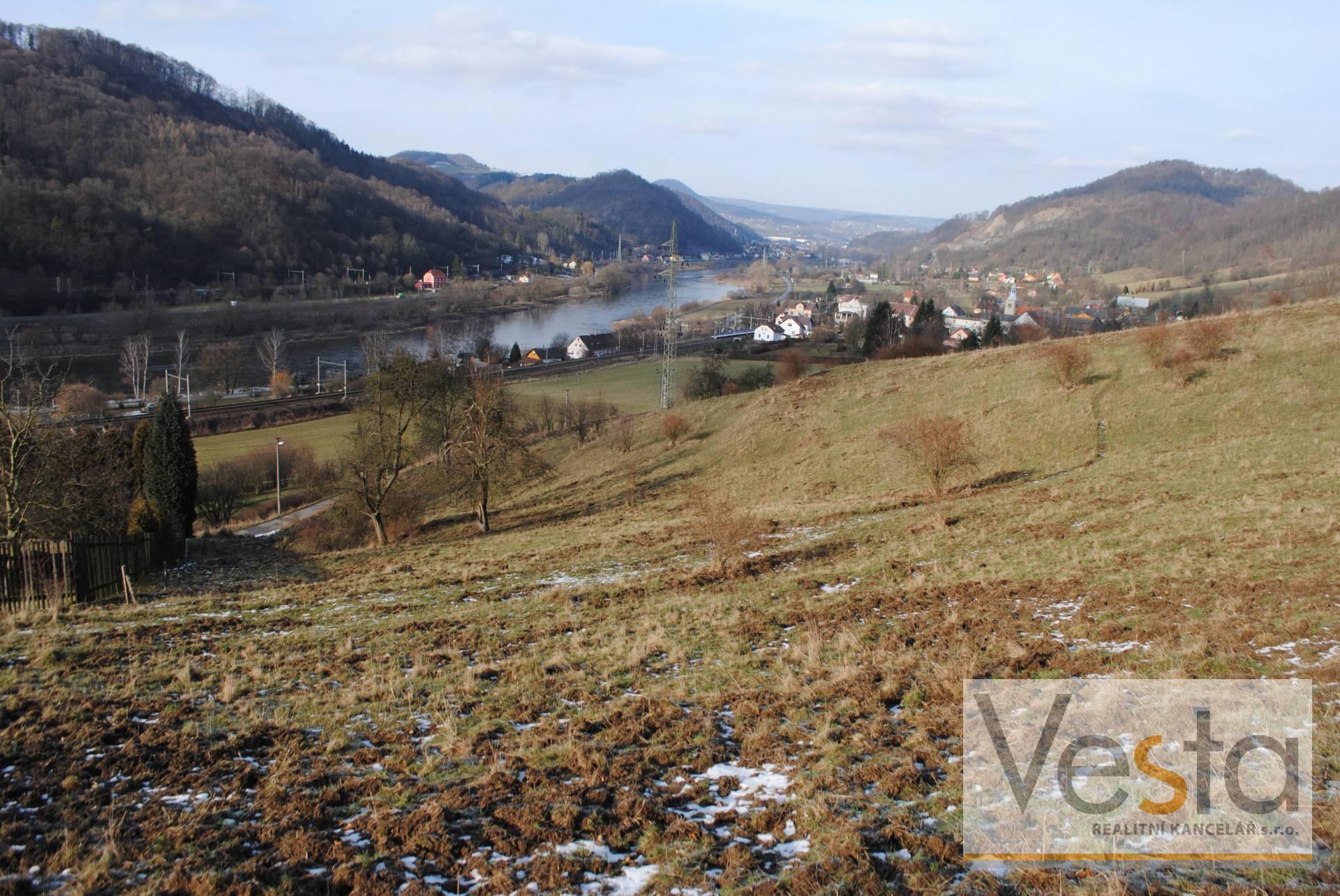 Zemědělský pozemek o výměře 12 274 m2 v obci Těchlovice