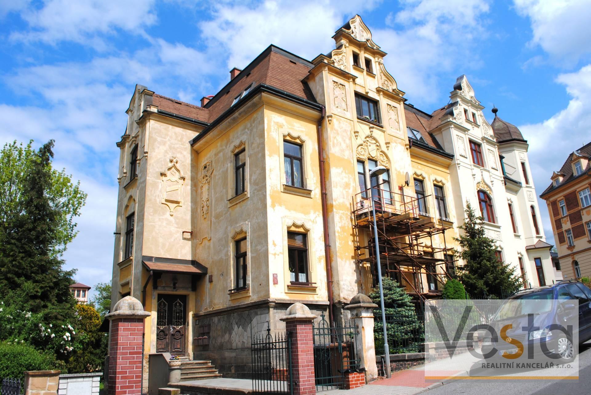 Slunný byt 3+1 v žádané lokalitě Děčína, 88 m2