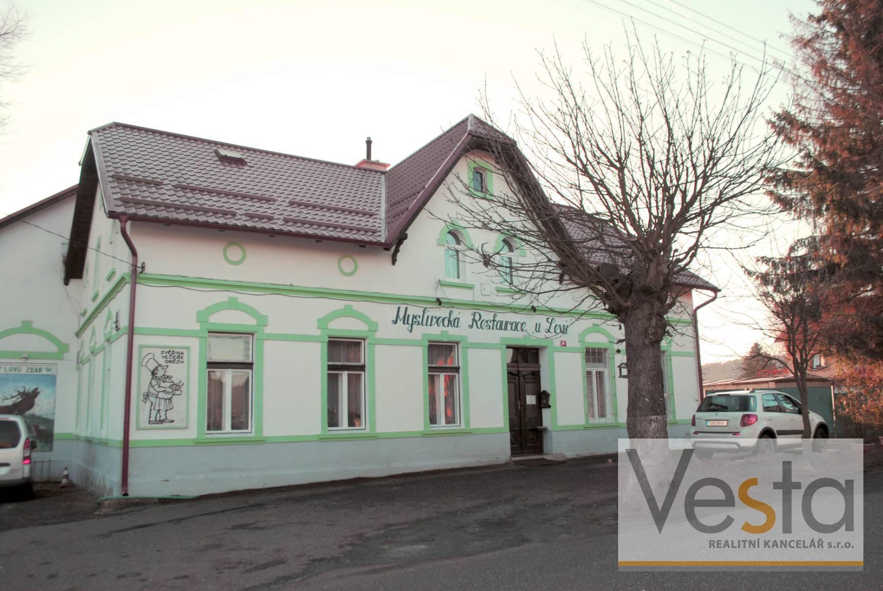 Krásná vesnická hospoda se sálem a bytem v Kámenu