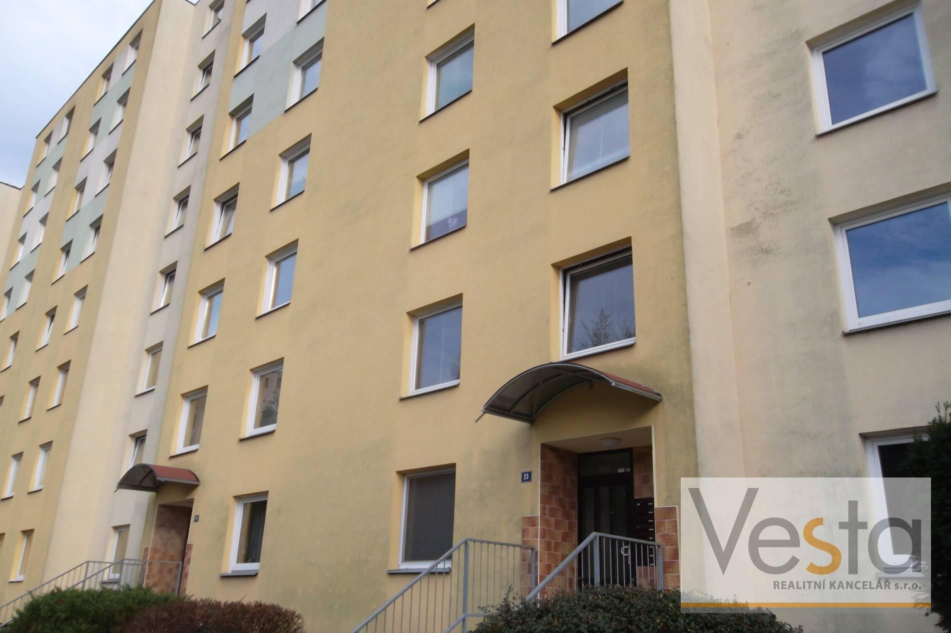 Družstevní byt 3+1 s lodžií v Krásném Březně, 71 m2