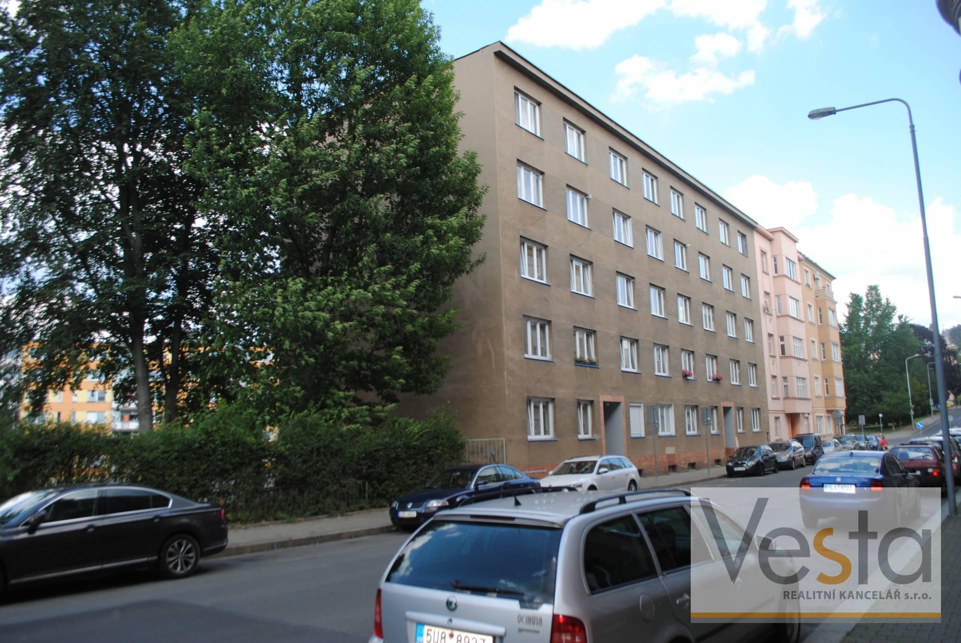 Slunný byt 3+1 s balkónem v centru města