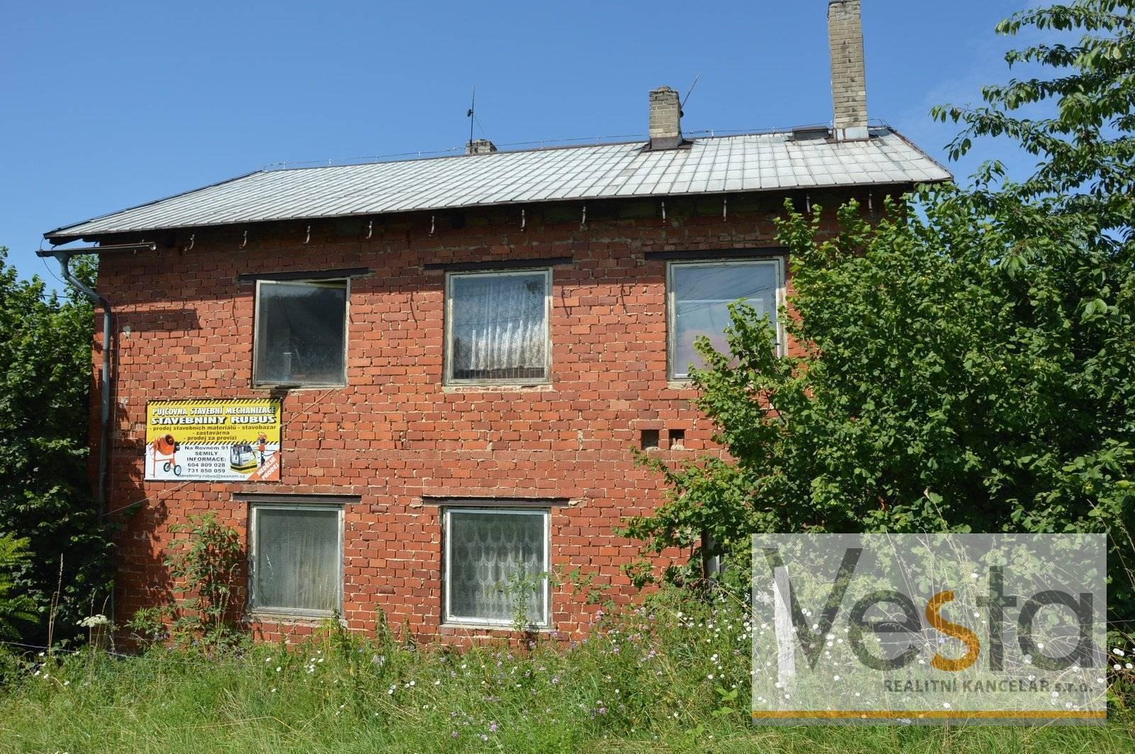 Prodej spoluvlastnického podílu ¾ na zemědělských budovách, Semily