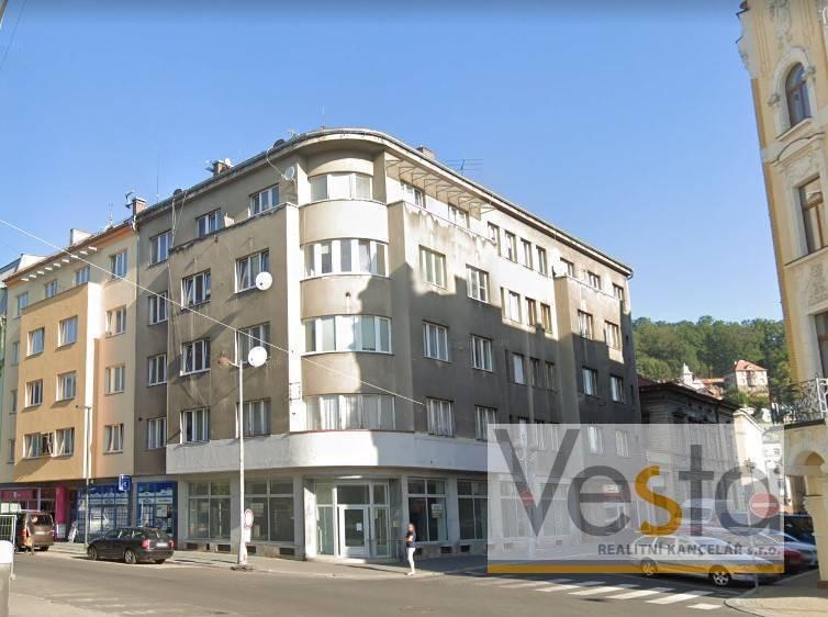 Dražba nebytového prostoru s výlohami v centru Podmokel