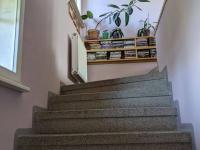 rodinny dum mezna - schody
